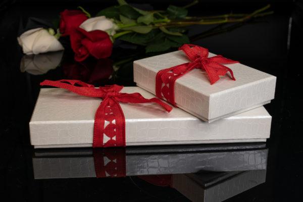 White Elegance Valentine Collection