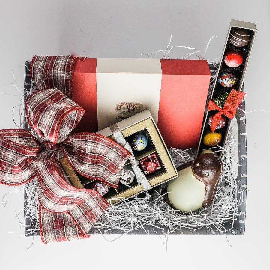 Grande Holiday Gift Basket